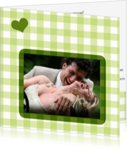 Trouwkaarten met foto - trouwkaart own picture on green squares with heart