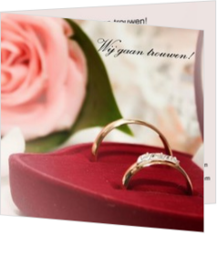 Trouwkaarten met ringen - trouwkaart rings in front of pink rose, vk